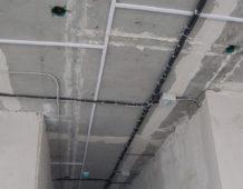 Электропроводка под натяжной потолок